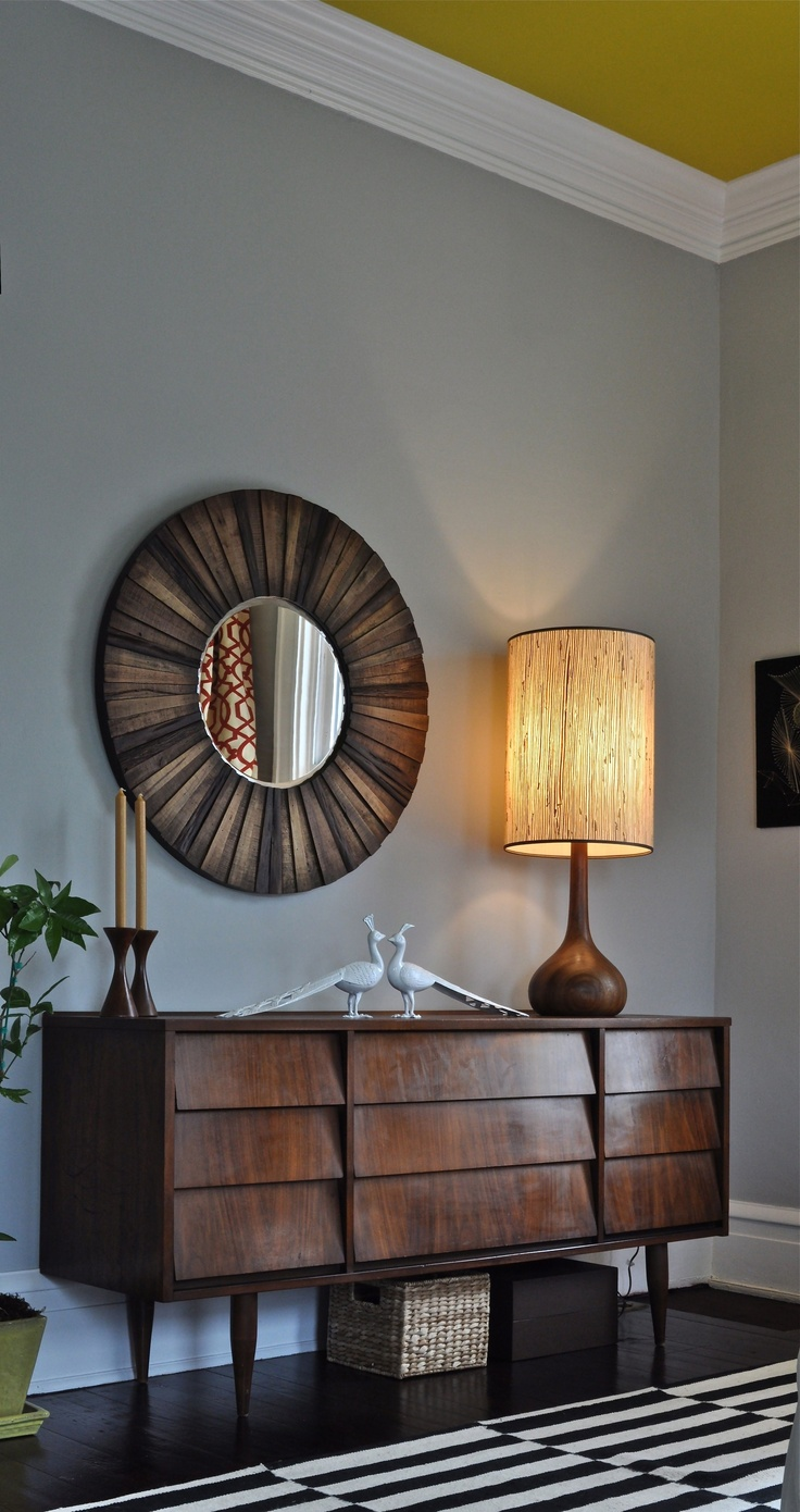 32 original mid century sideboards you gonna love digsdigs - Wandspiegel groay modern ...