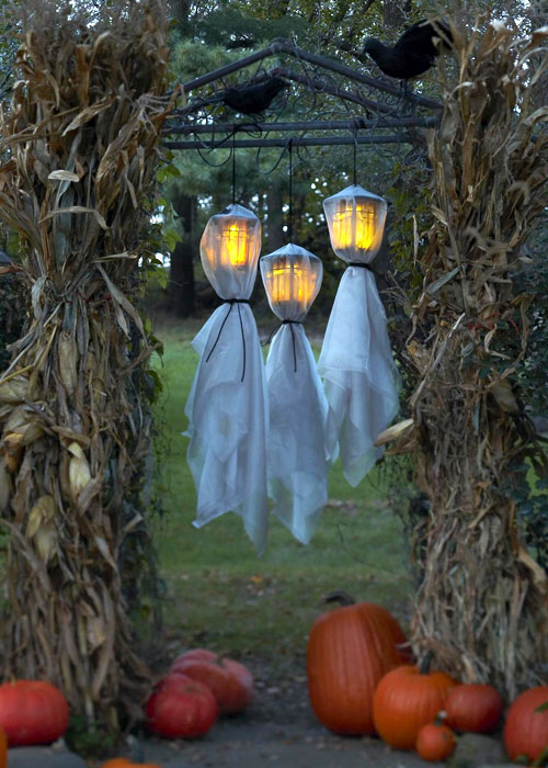 125 cool outdoor halloween decorating ideas digsdigs - Fabriquer decoration halloween ...