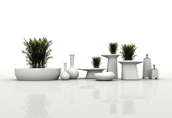outdoor tables with flowerpot moma from vondom digsdigs. Black Bedroom Furniture Sets. Home Design Ideas