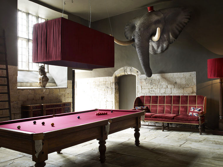 5 outstanding billiard room designs digsdigs for Small pool table room ideas