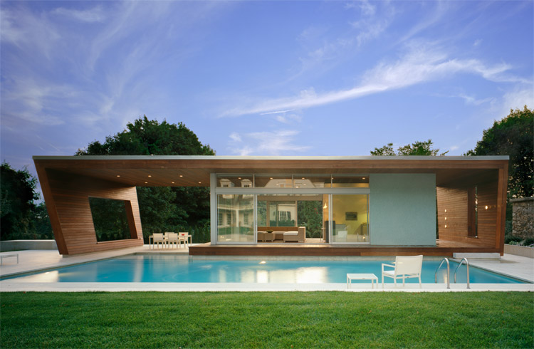 Outstanding Swimming Pool House Design by Hariri & Hariri Architecture