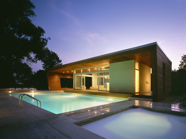 Outstanding swimming pool house design by hariri hariri for Casas minimalistas con piscina