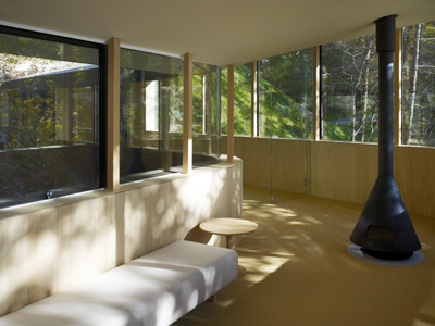 Passage Weekend House by TNA Architects