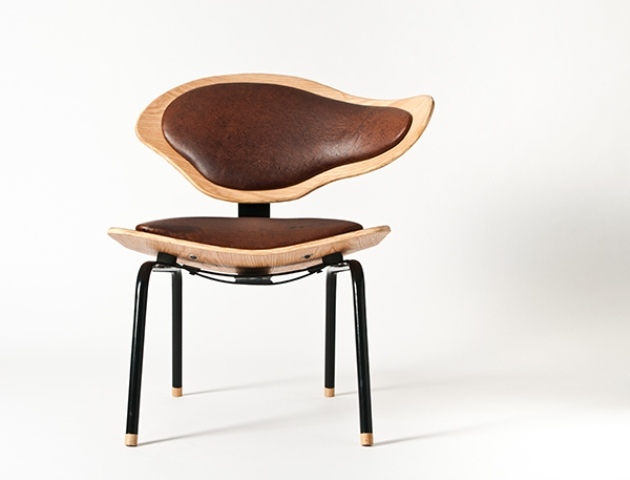 Philosophical And Luxurious Poise Chair | DigsDigs