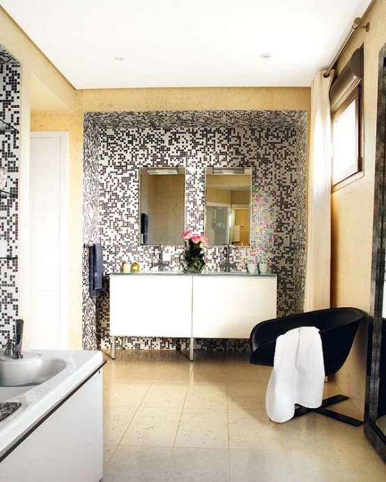 Simple Yet Stylish Bathroom Design With Pixilated Walls