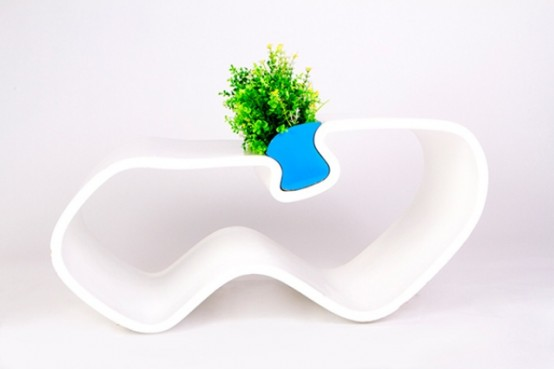 Plame Coffee Table Inspired By Female Body Curves