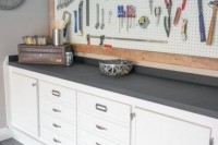 practical-and-comfortable-garage-organization-ideas-10