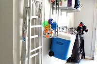 practical-and-comfortable-garage-organization-ideas-27