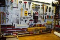 practical-and-comfortable-garage-organization-ideas-32