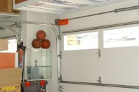 practical-and-comfortable-garage-organization-ideas-9