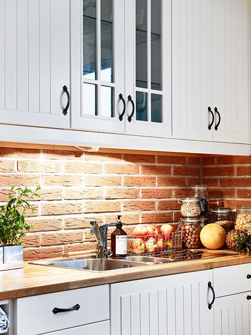 Super Practical And Really Stylish Brick Kitchen Backsplashes