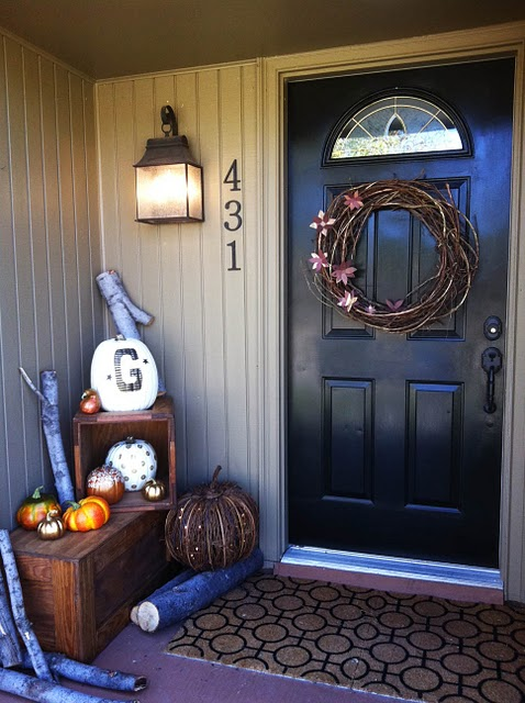 Pretty fall porch decor ideas 14