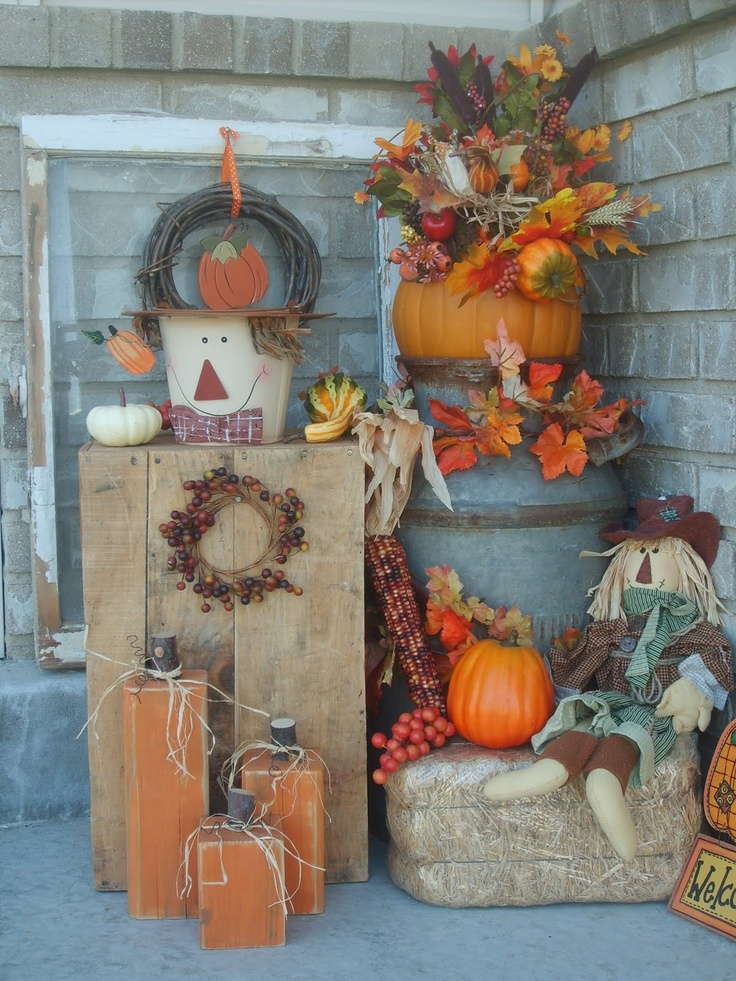 60 pretty autumn porch d cor ideas digsdigs for Pictures of fall decorations for outdoors