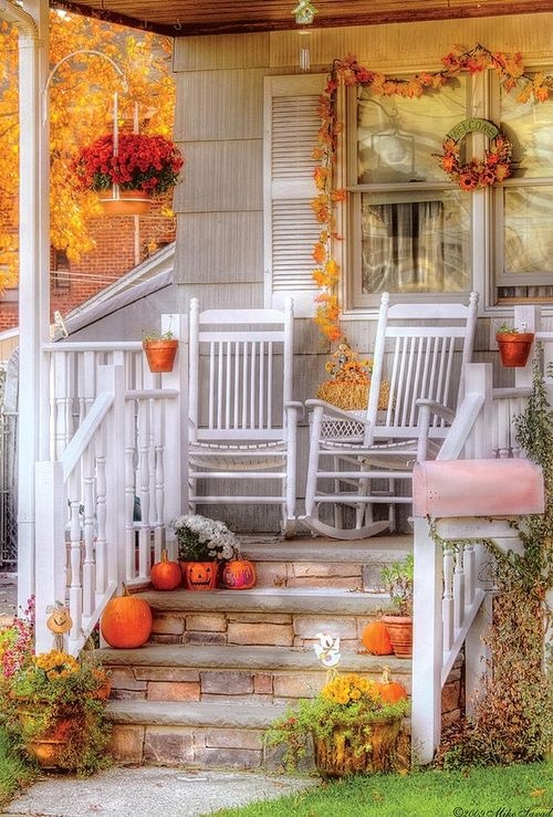 85 pretty autumn porch d cor ideas digsdigs Beautiful fall front porches