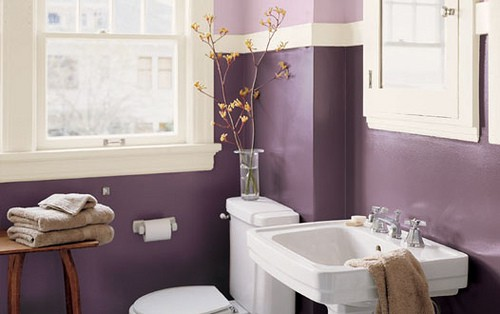33 cool purple bathroom design ideas digsdigs for Purple and yellow bathroom ideas