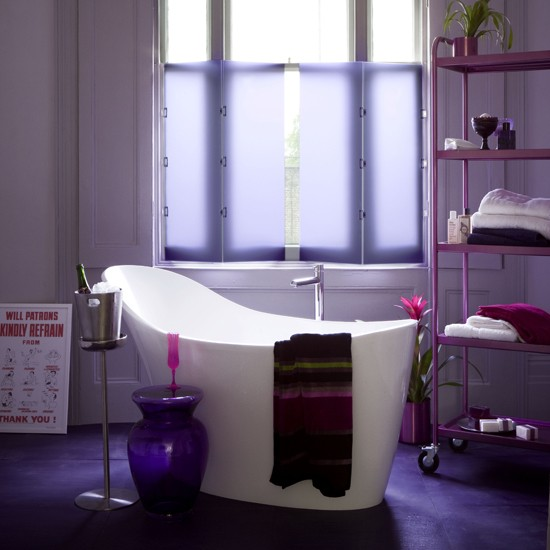 33 cool purple bathroom design ideas digsdigs for Bathroom decor purple
