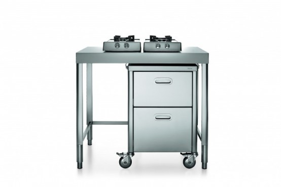 Race car style inox kitchens for tight spaces digsdigs for Table inox ikea