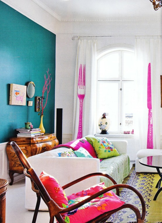 111 bright and colorful living room design ideas digsdigs for Bright living room designs