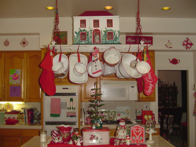 vintage kitchen red white christmas decoration digsdigs