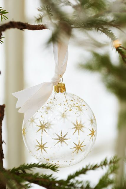 Decorating Ideas > 44 Refined Gold And White Christmas Décor Ideas  DigsDigs ~ 060045_Christmas Decorating Ideas Gold