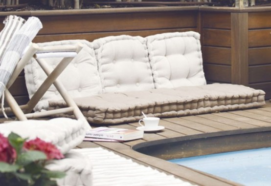 20 Relaxing And Cozy Pool Nooks To Get Inspired