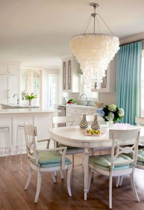 26 Relaxing Coastal Dining Rooms And Zones - DigsDigs