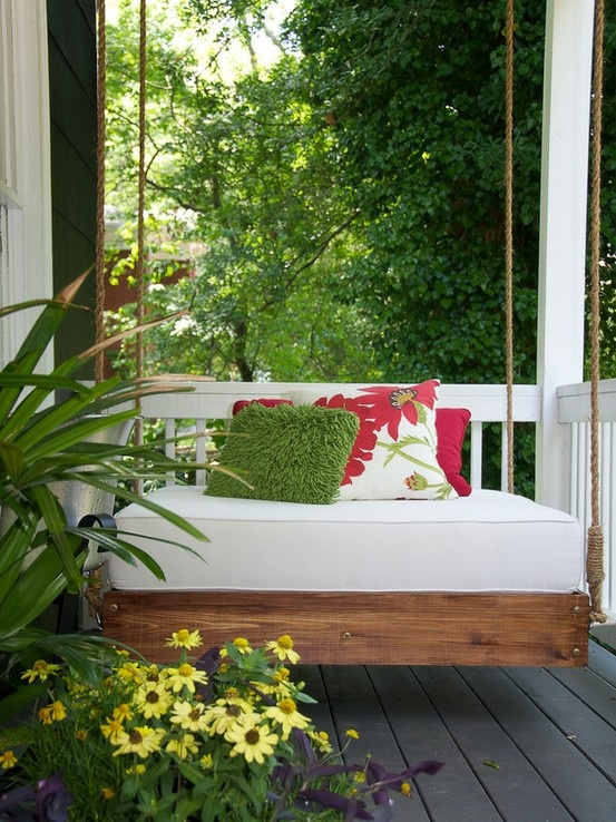 Relaxing Outdoor Hanging Beds