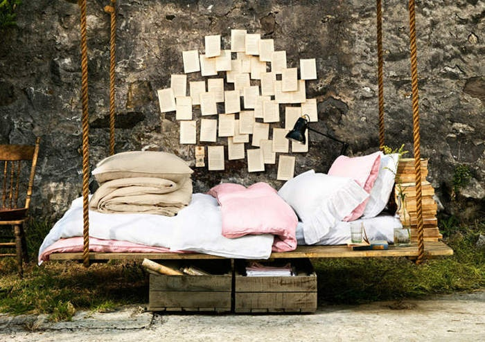 39 relaxing outdoor hanging beds for your home digsdigs for Suspended bed