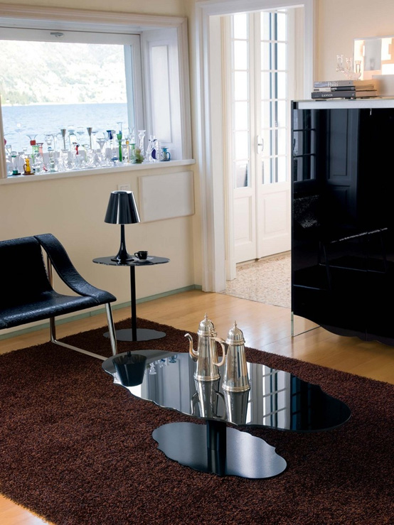 Renzo Coffee Table With Moulded Outline