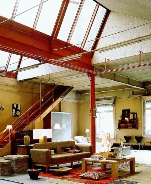 Car Garage Loft Retro Style: Loft In Retro Pop Art Style