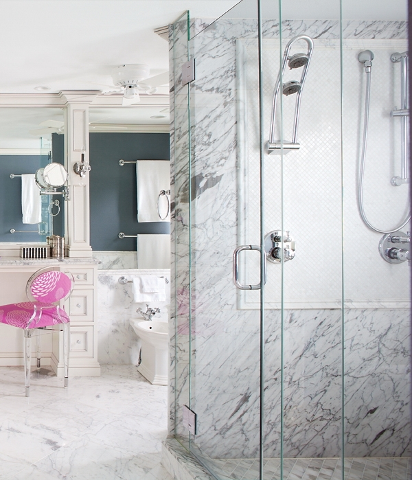 Romantic and peaceful bathroom design of marble digsdigs for Romantic bathroom designs