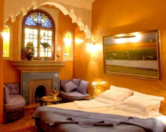 48 romantic bedroom lighting ideas digsdigs - Moroccan themed bedroom decor ...