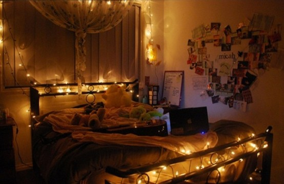 48 romantic bedroom lighting ideas digsdigs for Lichterkette tumblr