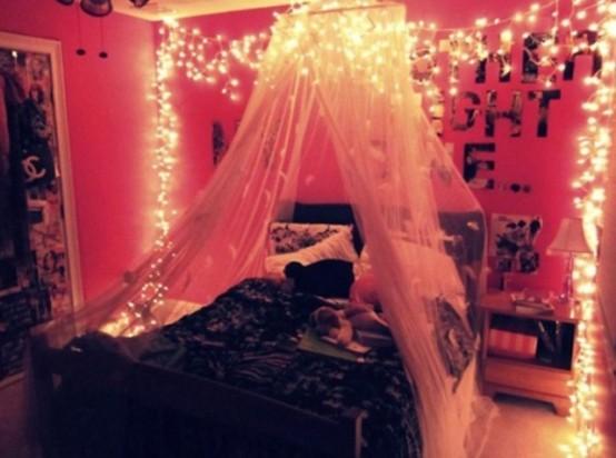 Romantic String Lights Bedroom : 48 Romantic Bedroom Lighting Ideas - DigsDigs