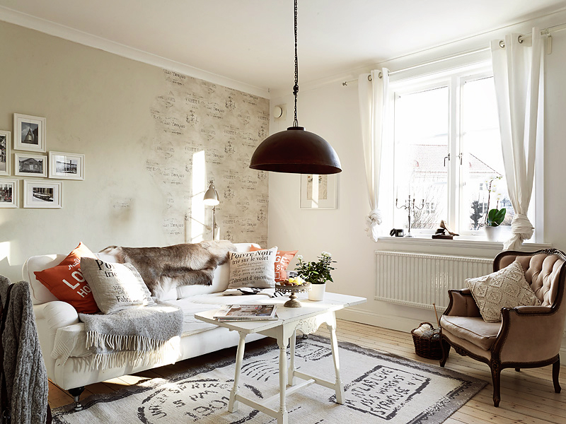 Romantic Stockholm Apartment With Shabby Chic Touches | DigsDigs