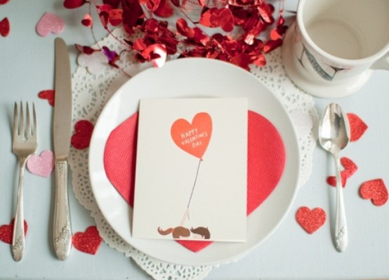 romantic-valentines-day-table-settings-24-554x399