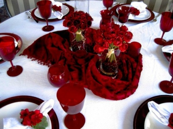 romantic-valentines-day-table-settings-7-554x415