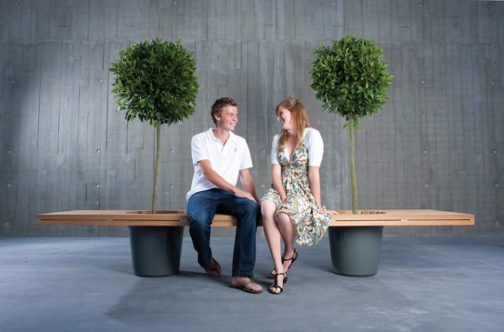 Romantic Wood Bench – Romeo & Jiliet by Extremis