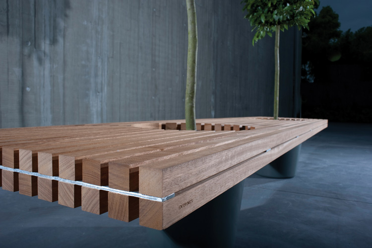 Romantic Wood Bench – Romeo & Jiliet by Extremis | DigsDigs