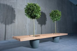 Romantic Wood Bench Romeo & Jiliet By Extremis