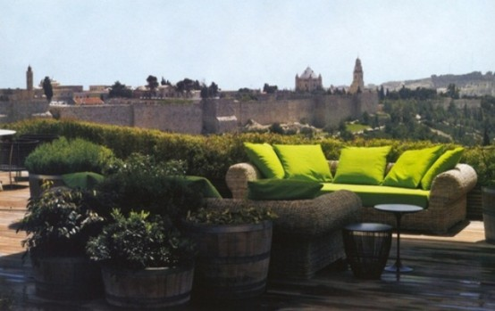 Transform a rooftop terrace into a lush garden retreat to get some fresh air in the middle of a city.