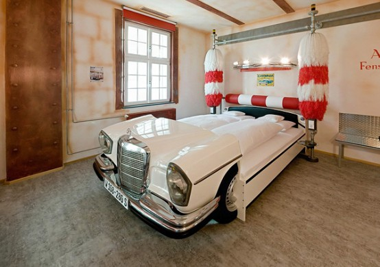 10 Cool Room Designs for Car Enthusiasts - DigsDigs