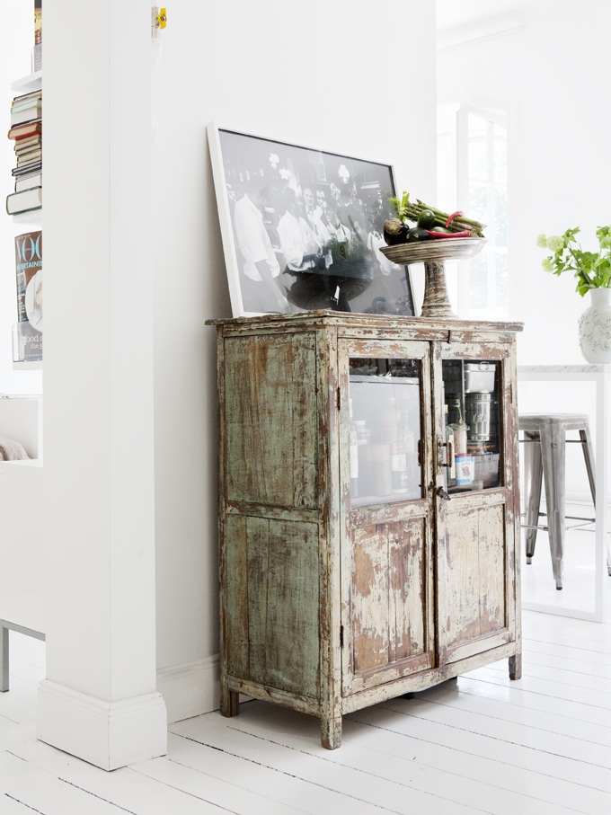 Rustic and vintage kitchen design with modern and shabby for Vieillir miroir