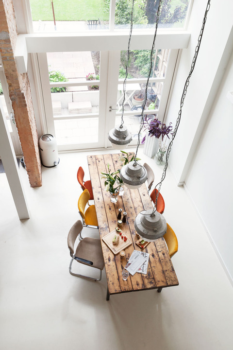 rustic dining table is perfect even for an all white kitchen design