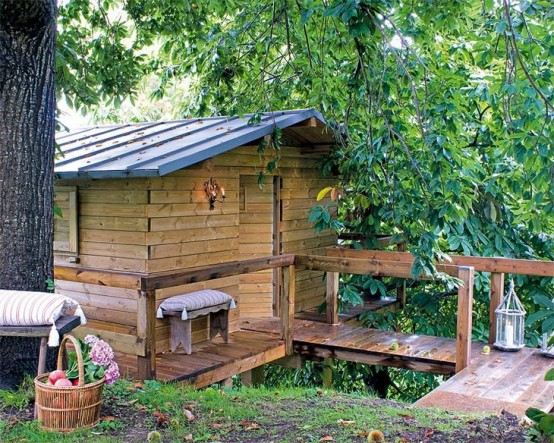 Rustic Garden Mini House
