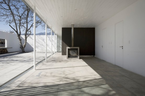 Rustic White House In Chilean Countryside
