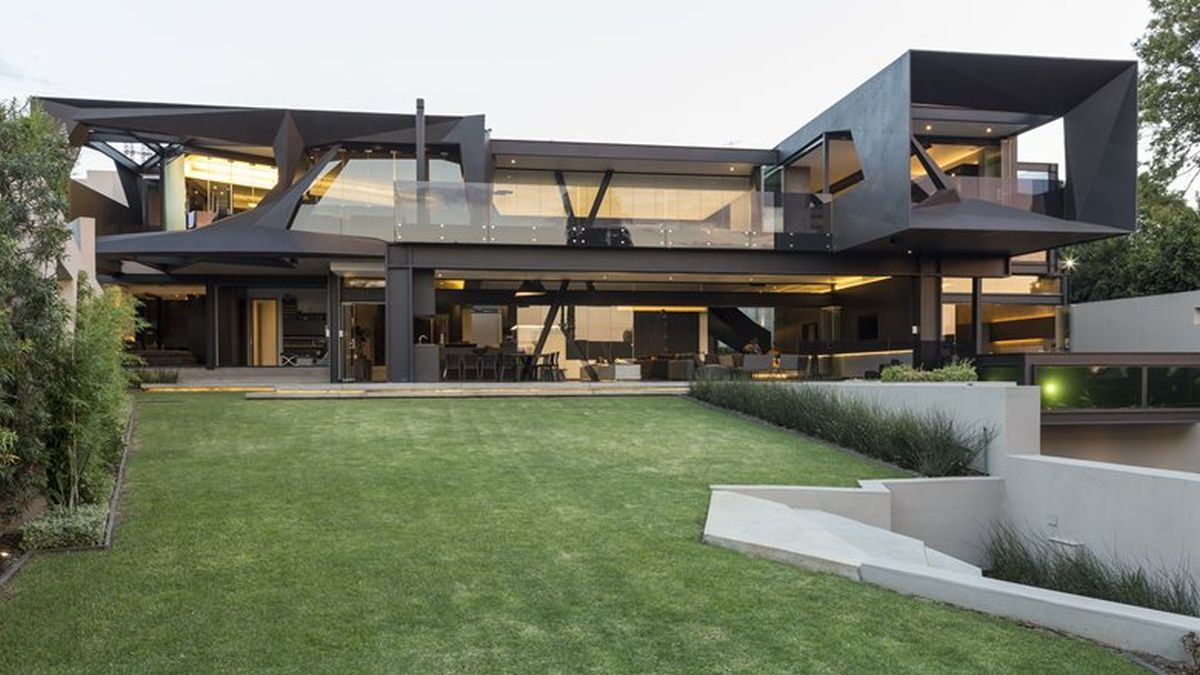 Picture Of sculptural family home with minimalist interiors  2