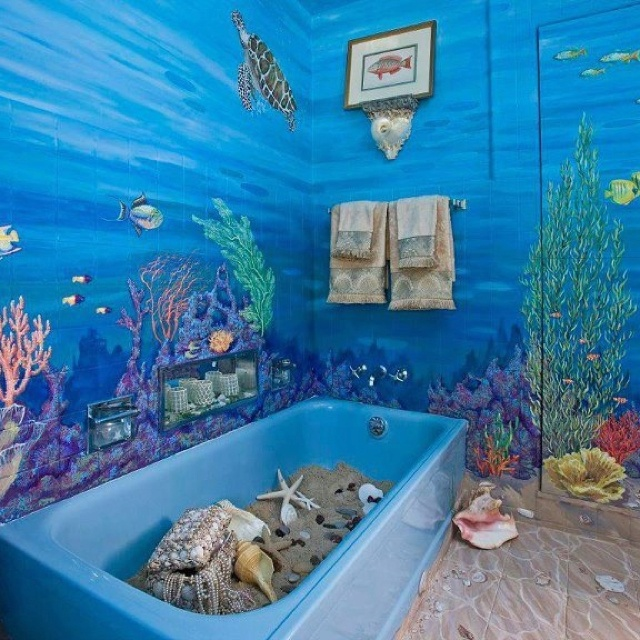 44 sea inspired bathroom d cor ideas digsdigs for Beach themed mural