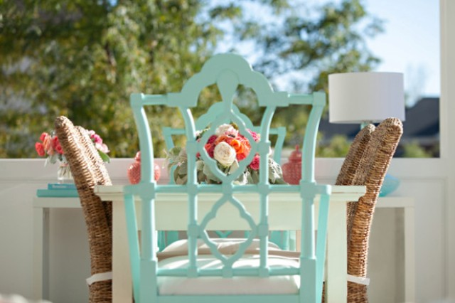 Sea inspired summer terrace decor in coral and aqua digsdigs for Terrace color combination