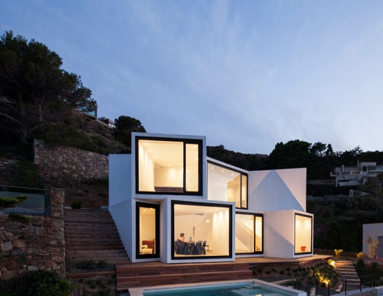 Seafront Sunflower House With Geometric Design